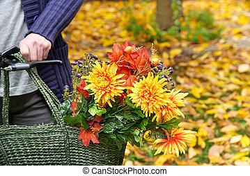 femme, à, bouquet fleur, dans, les, sac à provisions