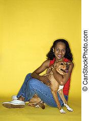 femme, à, brun, dog.