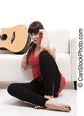 femme, à, elle, guitare