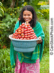 femme, à, fruit rouge