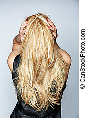 femme, à, long, cheveux blonds