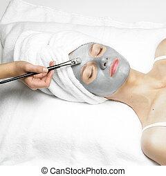 femme, à, masque facial