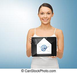 femme, à, pc tablette, et, enveloppe, icône