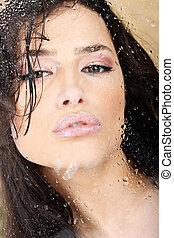 femme, à, sensuelles, lèvres, derrière, verre