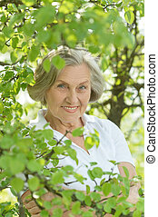 femme âgée, portrait