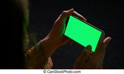 femme, écran, mains, téléphone, surfer, vert, internet, intelligent