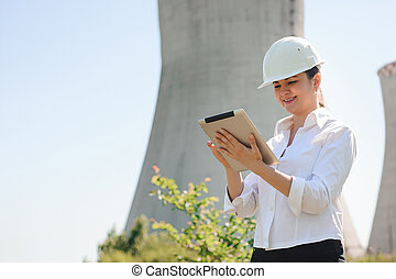 femme, électrique, tablette, sourire, station., ingénieur