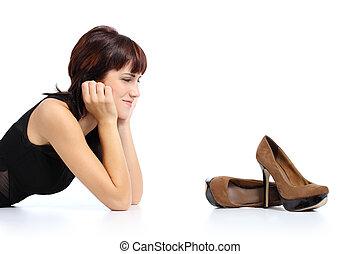 femme, élevé, stylet, chaussures, regarder, talons, beau