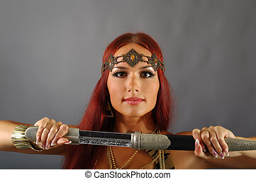 femme, épée, elle, tenant main