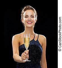 femme, étincelant, verre, tenue, sourire, vin