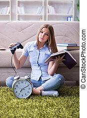 femme, être, distrait, préparation, étudiant, examen
