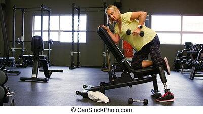 femme, 4k, personne agee, haltère, exercice, rang