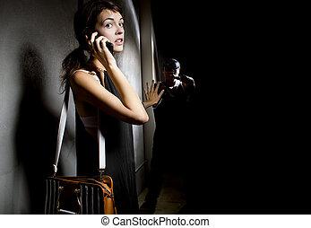 femme, 911, aide, ruelle, appeler