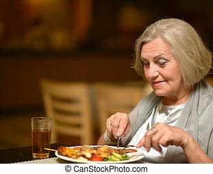 femme aînée, avoir, dinne