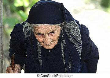 femme aînée, crosse