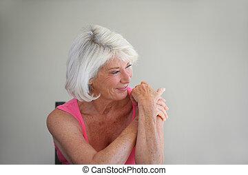 femme aînée, heureux