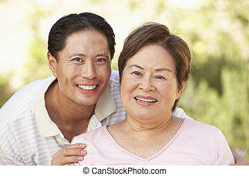 femme aînée, jardin, adulte, fils
