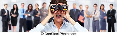 femme affaires, à, binoculars.