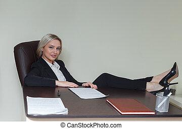 Pieds secrétaire elle bureau