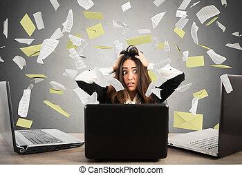 femme affaires, accentué, spam