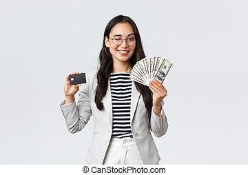 femme affaires, argent, entrepreneur, asiatique, expliquer, sourire, concept., prise, revenu, projection, cours, business, comment, finance, augmentation, carte, appareil photo, emploi, argent, crédit, réussi