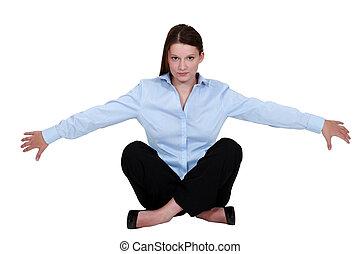 femme affaires, assis, floor.