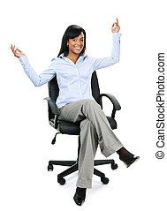 femme affaires, chaise, heureux, bureau, séance