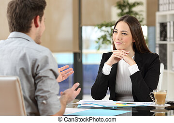 femme affaires, client, bureau, assister
