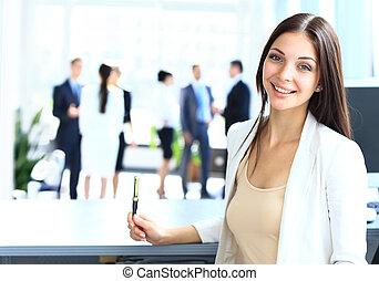 femme affaires, collègues, jeune, elle