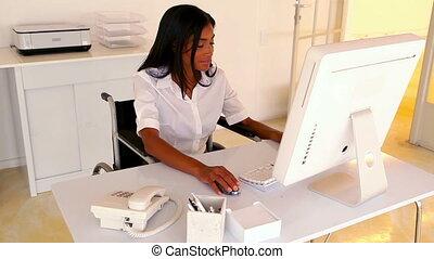 femme affaires, fonctionnement, elle, bureau