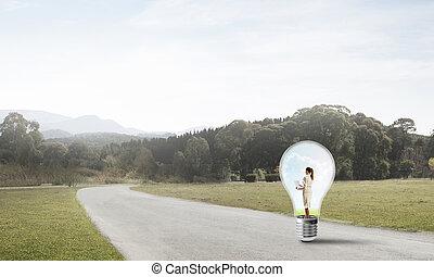 femme affaires, intérieur, ampoule