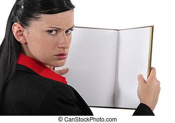 femme affaires, livre, ennuyé, vide