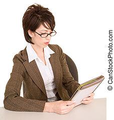 femme affaires, notes, lecture, elle