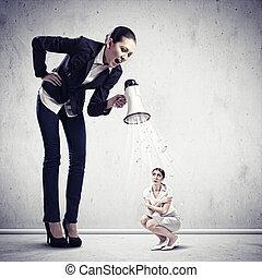 femme affaires, porte voix