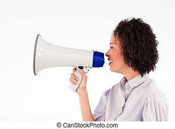 femme affaires, porte voix, par, parler