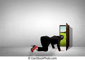 Images et photos de femme chaussures business port dehors 27 images et photographies libres de - Jeter un coup d oeil anglais ...
