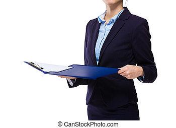 femme affaires, presse-papiers, chèque
