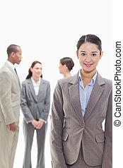 femme affaires, sourire, collègues, fond