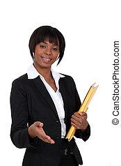femme affaires, sur, noir, handshake., donner