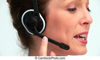 femme affaires, utilisation, casque à écouteurs
