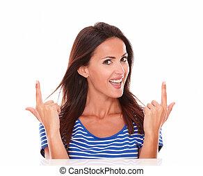 femme, agréable, doigts, indiquer haut