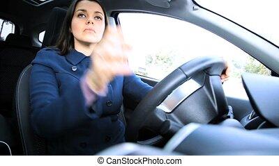 8e4c1d4640c70 Femme, voiture, jeune, siège, attacher, charmer, ceinture. Lunettes ...