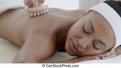 femme, apprécier, massage dorsal