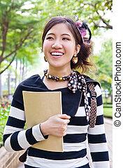 femme asiatique, marche parc