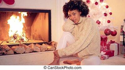femme, assis, par, cheminée, courses, main, dans, elle,...