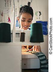 femme, atelier, travail, jeune, tailleur, conception, mode