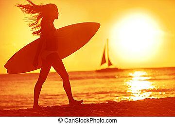femme, bébé, surfeur, surfer, coucher soleil, amusement, plage