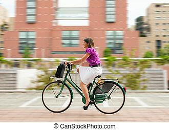 femme, banlieusard, cyclisme