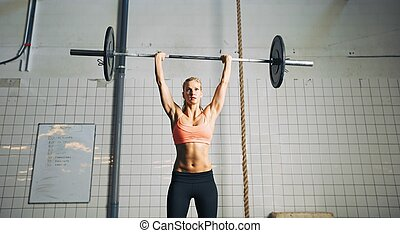femme, barres disques, levage, fitness