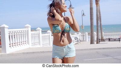 femme, beachfront, jeune, vacances, sexy, apprécier